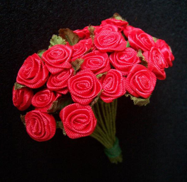 25 Red Ribbon Rose Flowers On Stems Country View Crafts